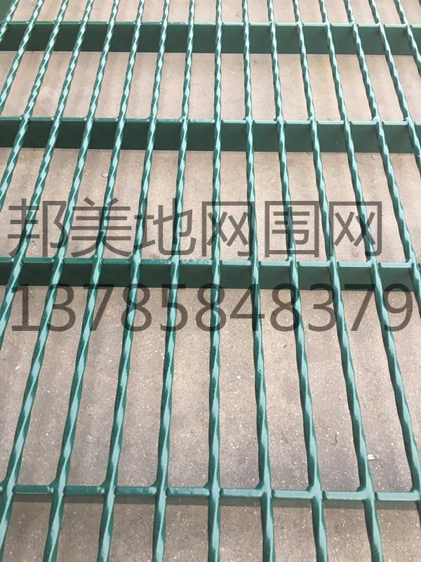 【加强型】包塑钢格地网