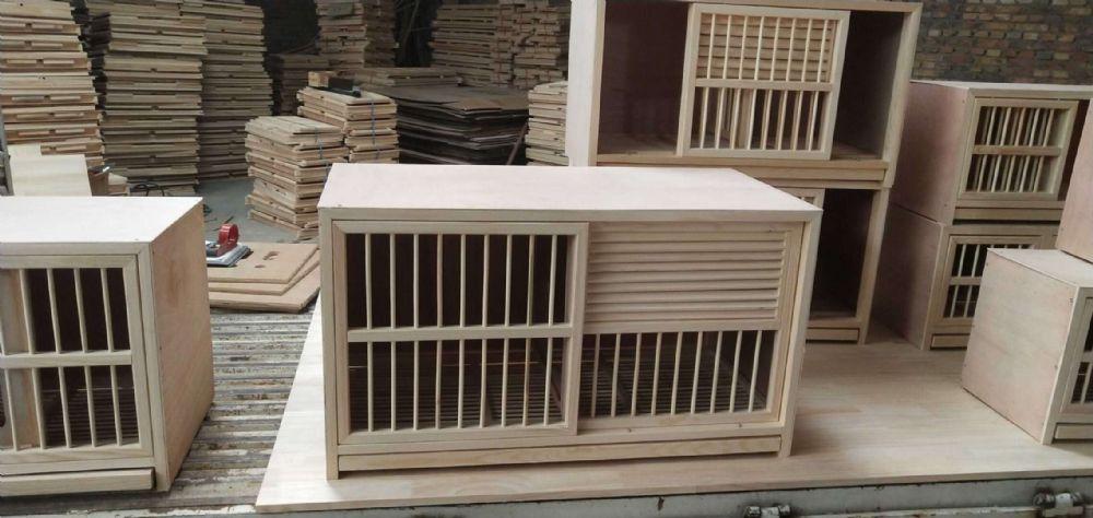 百叶窗巢箱